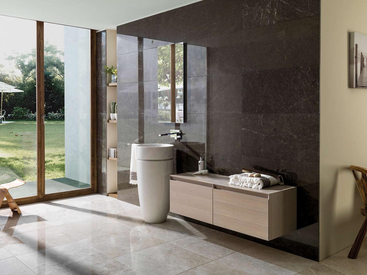 Bagno: 7 motivi per scegliere un rivestimento in marmo