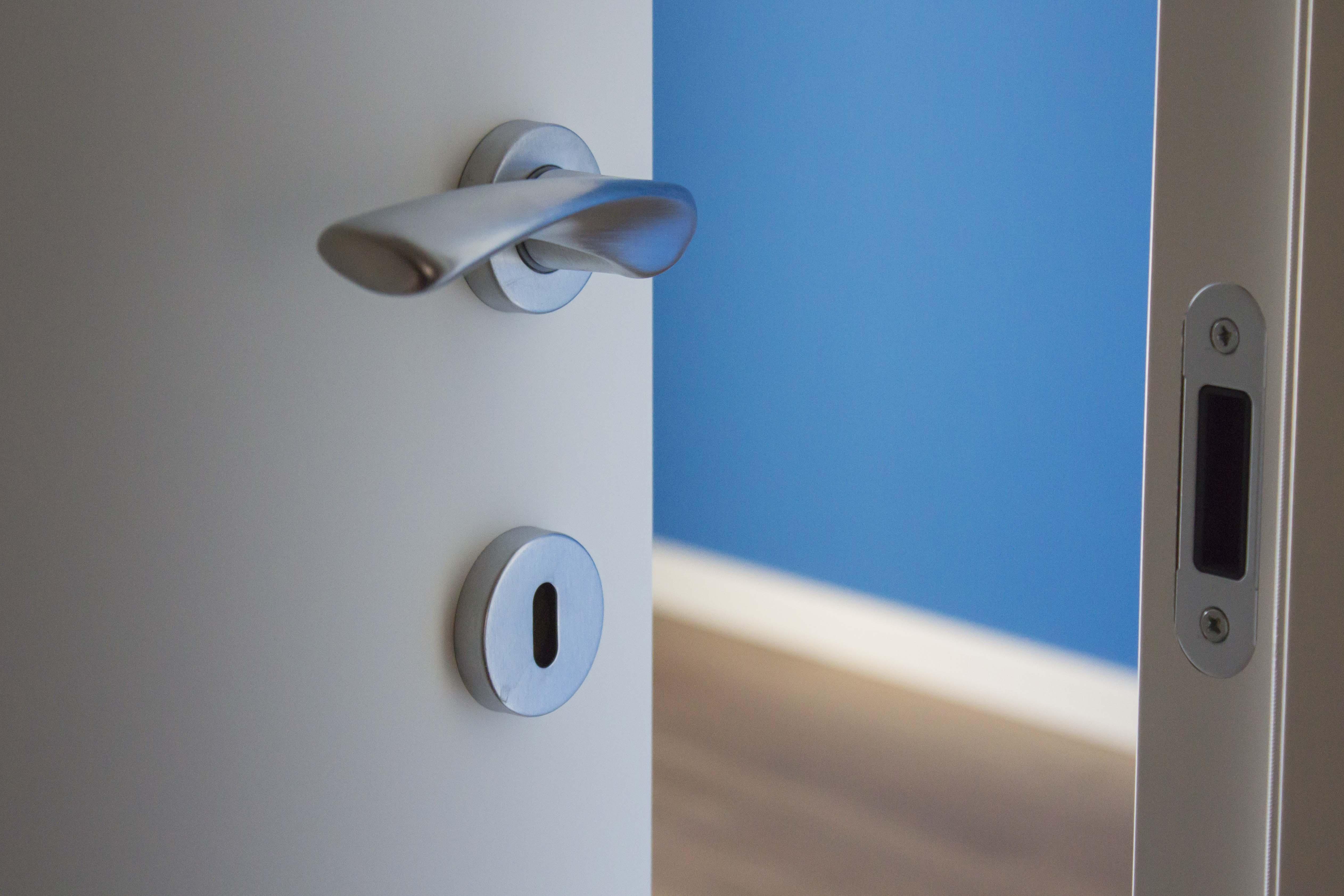 Porte e parquet: armonia di colori per arredare casa