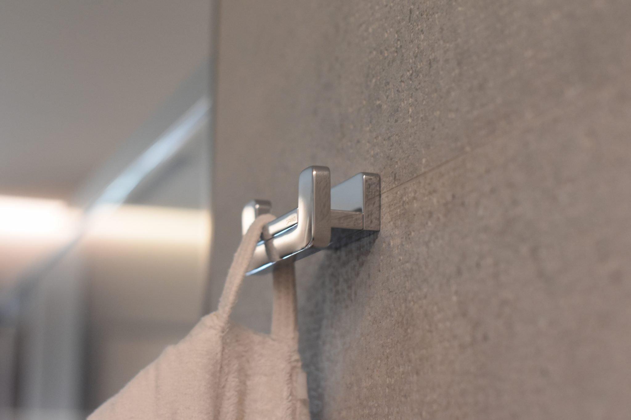 Accessori Strip in resina bianca by Capannoli
